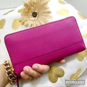 💖OFFERS??💖•Marc Jacobs•Fuschia Pink Large Wallet